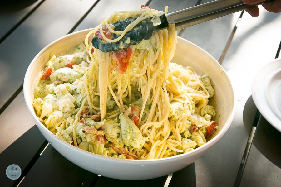 Zitronen-Hähnchen im Bärlauchrahm auf Pasta Rezept